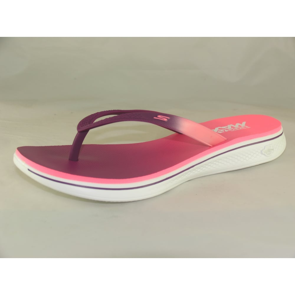 Ladies Skechers Toe post Flip Flops Pink | Deichmann